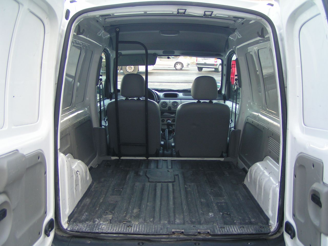 dimension coffre kangoo volume coffre renault kangoo 28 images kangoo v 233 les dimensions de. Black Bedroom Furniture Sets. Home Design Ideas