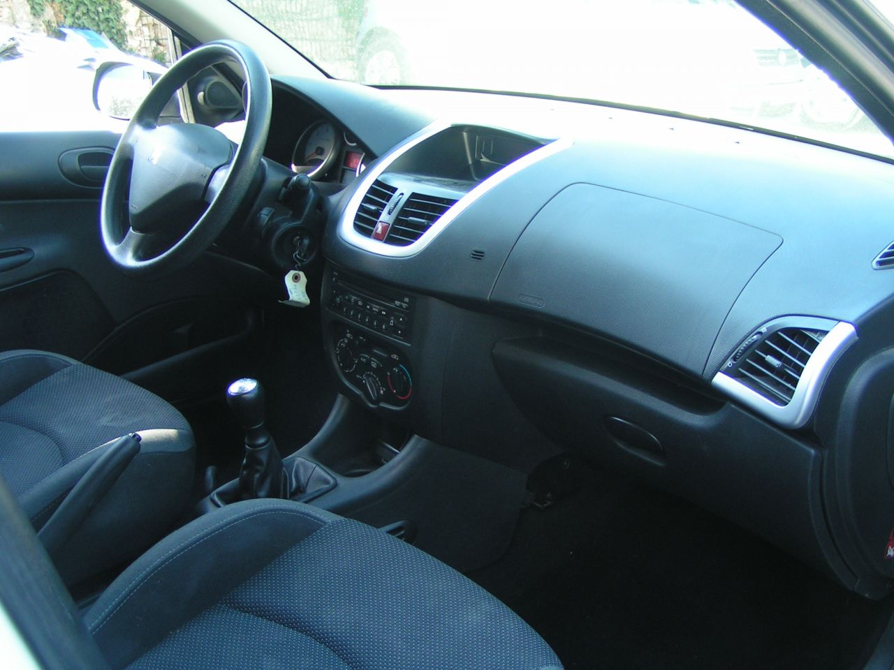 206 hdi trendy 107400 km 1ere main gtie 3 mois reprise for Interieur 206