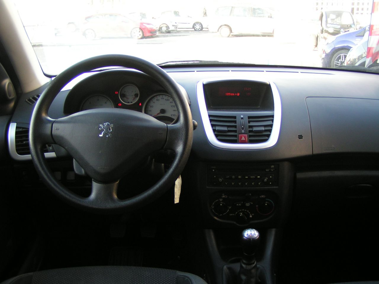206 trendy clim 5 portes 62 000 kms garantie pro for Clim d interieur